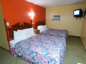 Coronada Inn Double Queen Suite